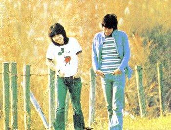 日本のフォークソンググループ。1969年結成。 1969年、早稲田大学...  ♪♪ Folk